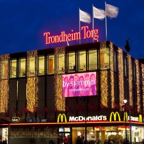 Trondheim Torg, julbelysning
