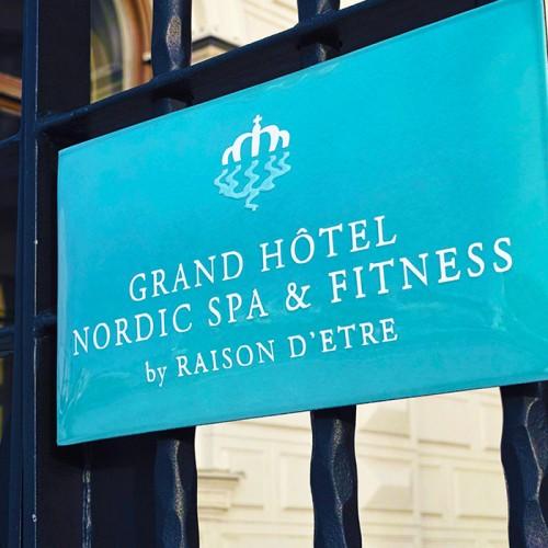 Grand Hotell, emaljeskylt