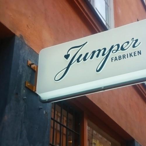 Jumperfabriken,  ljusskylt