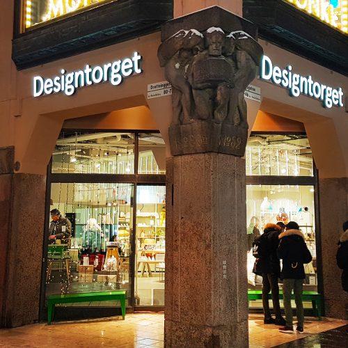 Designtorget, Kungsgatan Stockholm – Fasadskyltar